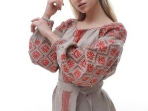 С чем носить вышиванку женщинам?