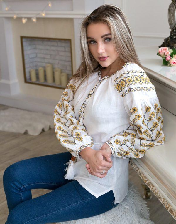 """Вышиванка женская """"Пелюсткова"""" лен белый"""