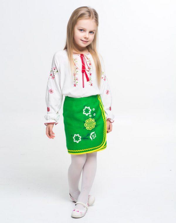 """Вышиванка для девочек """" Квитуча """" поплин белый"""