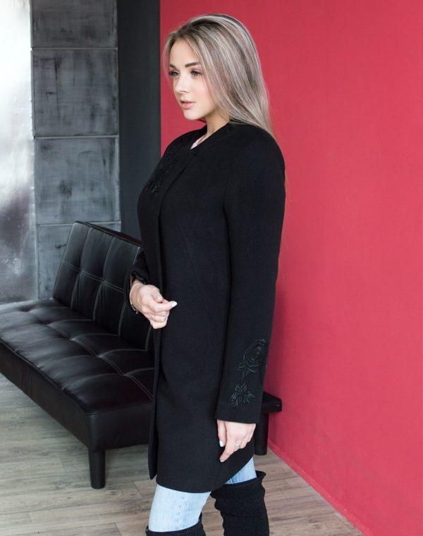 В-120 Пальто Кашемир Розы черный