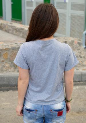 Футболка женская с вышивкой серый с вышивкой Пончик