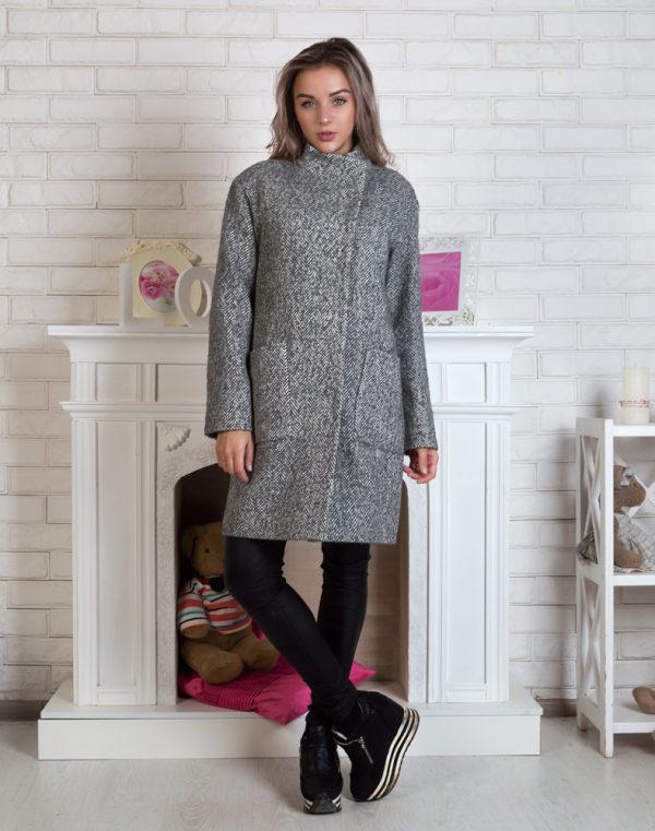 Женское пальто В-71 утепленное елка/букле серо-белый